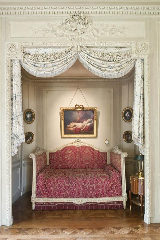 lit d 39 alc ve les arts d coratifs. Black Bedroom Furniture Sets. Home Design Ideas