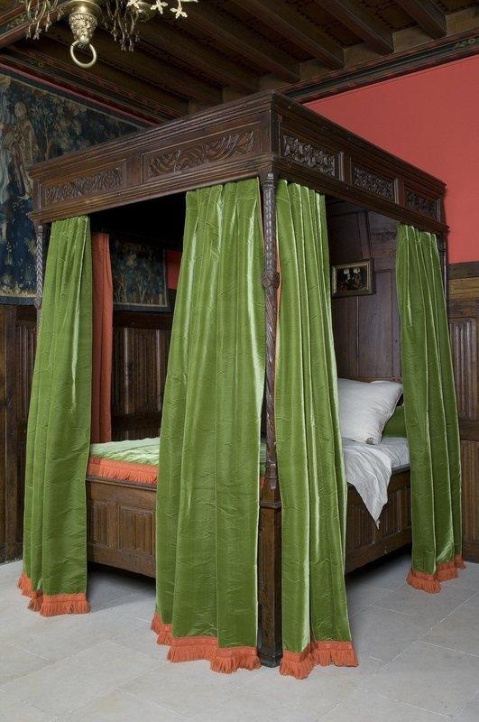 lit dais les arts d coratifs. Black Bedroom Furniture Sets. Home Design Ideas